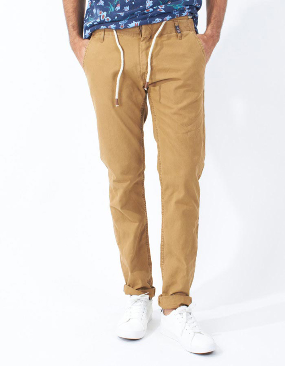 Camel chinos with double waistband - Backside