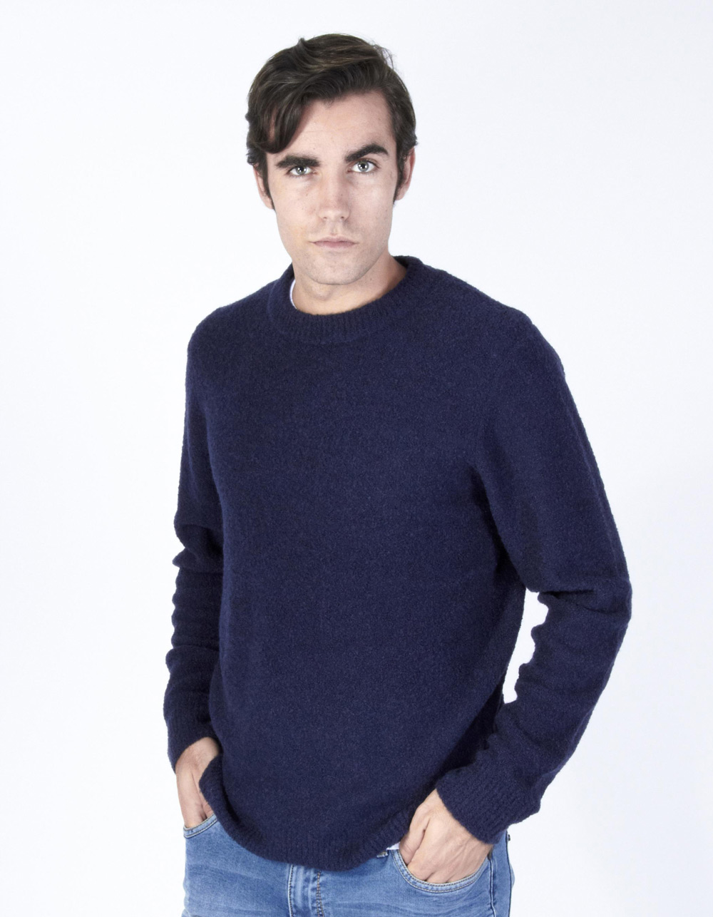Navy blue round collar sweater