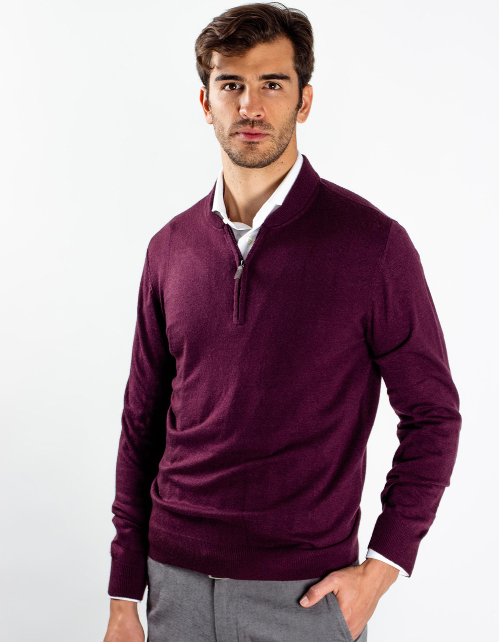 Maroon neck sweater with zip