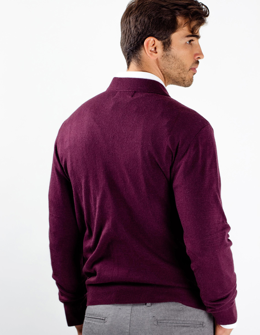 Maroon neck sweater with zip - Backside