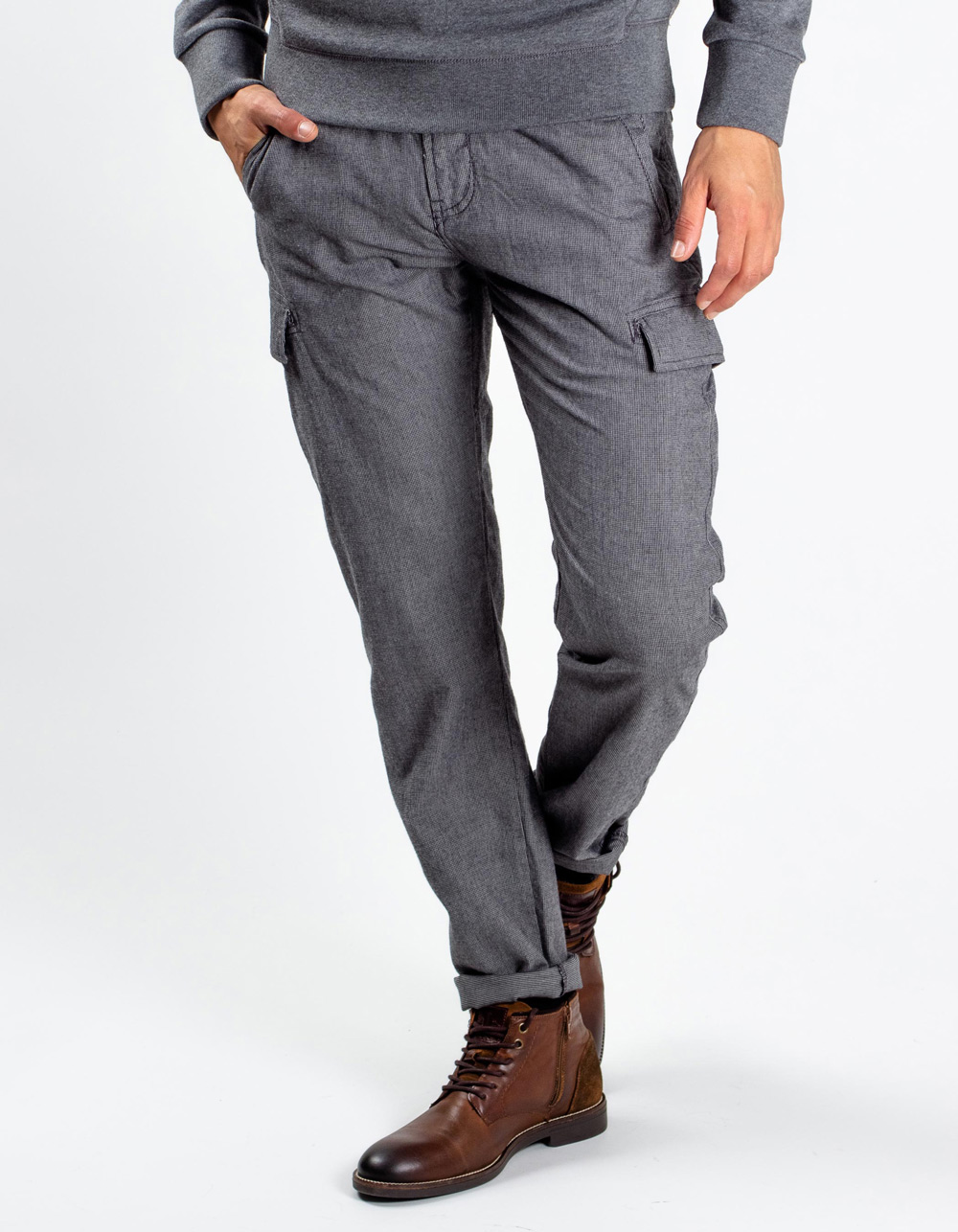 Grey cargo trousers with ropes