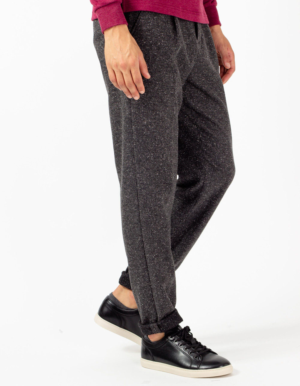 Dark grey trousers with darts and wool