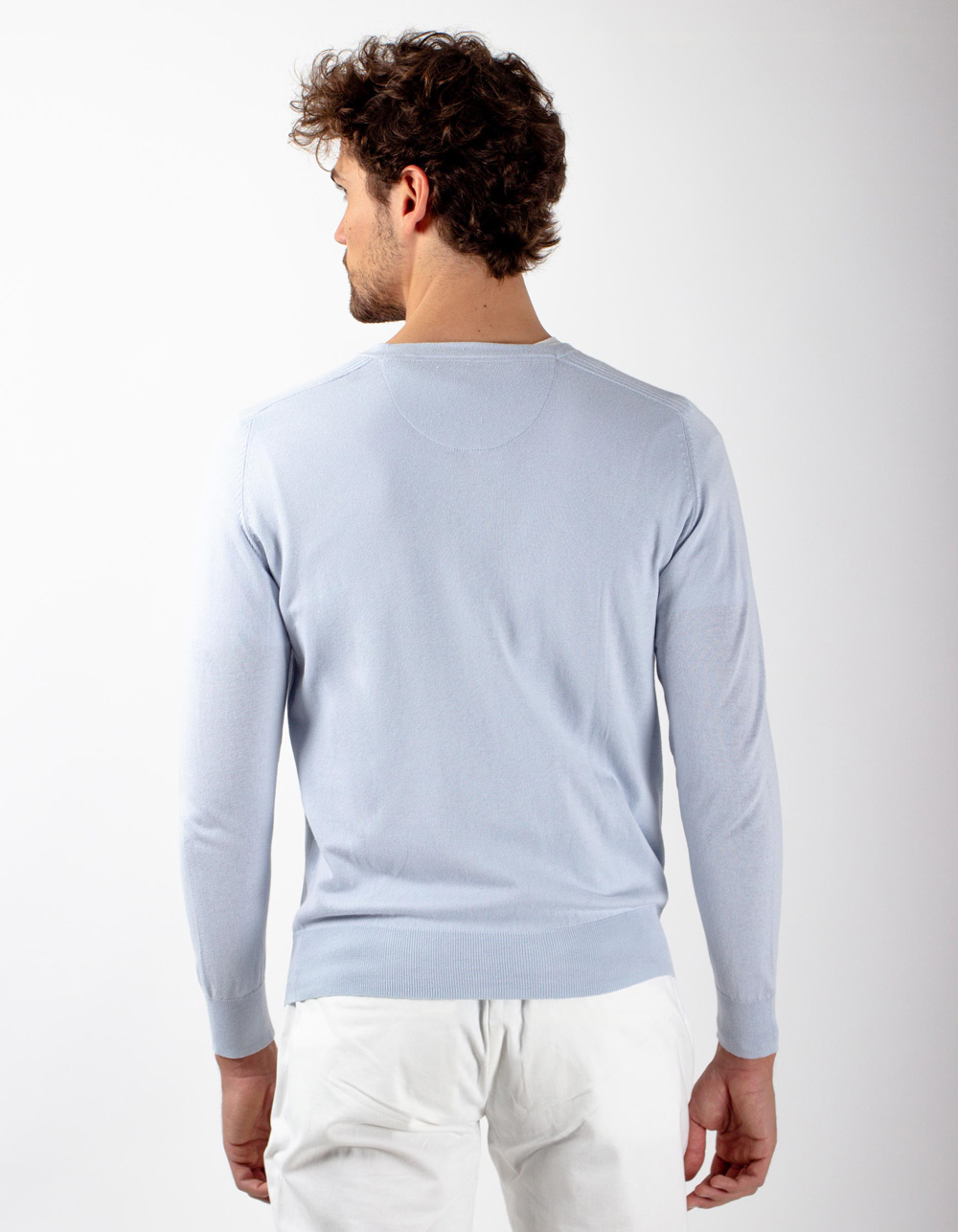 Jersey cuello pico en gris - Backside