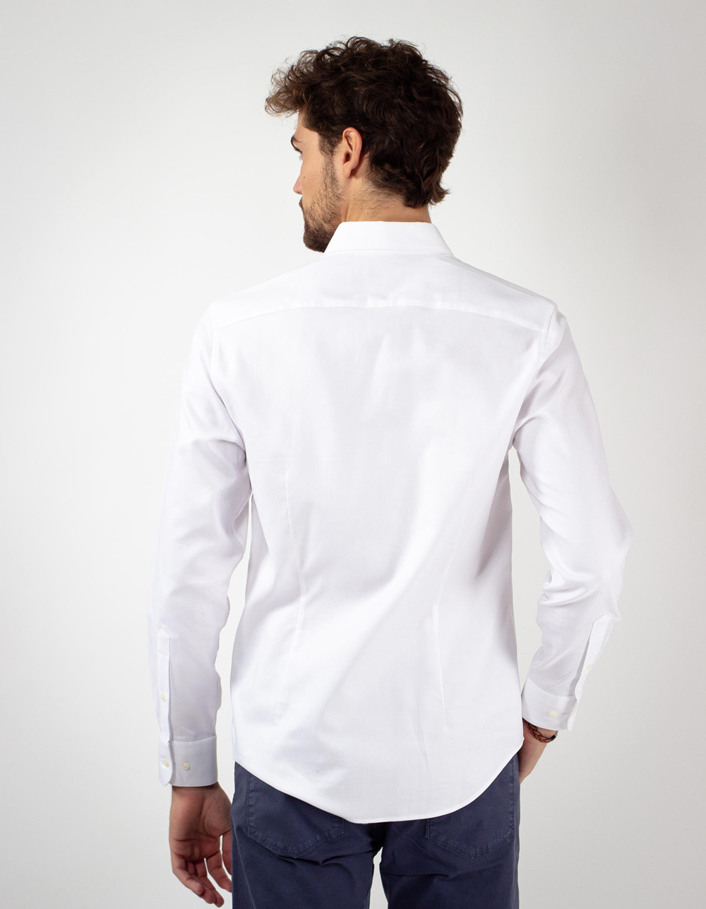 White plain shirt - Backside