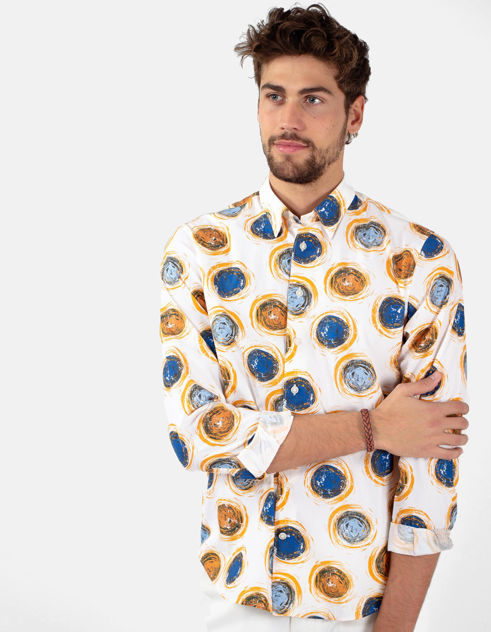 White shirt with print circular varius colors