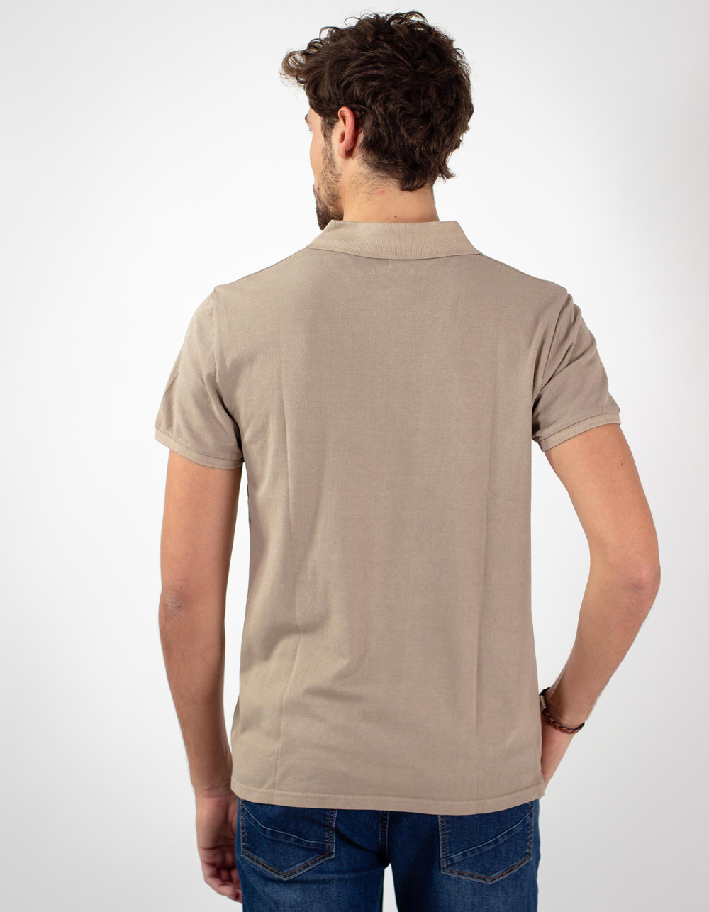 Beige basic piqué polo shirt - Backside
