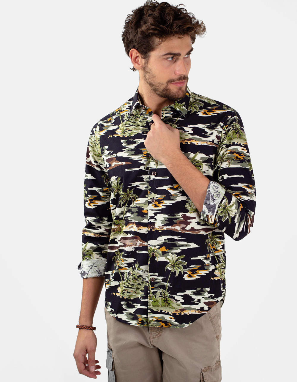Black shirt, varius colors palm trees print