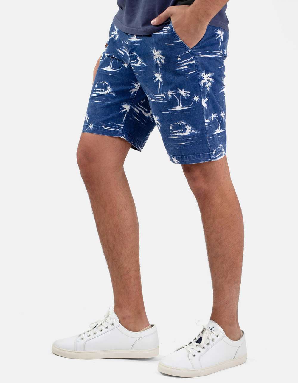 Navy Palm trees print bermudas