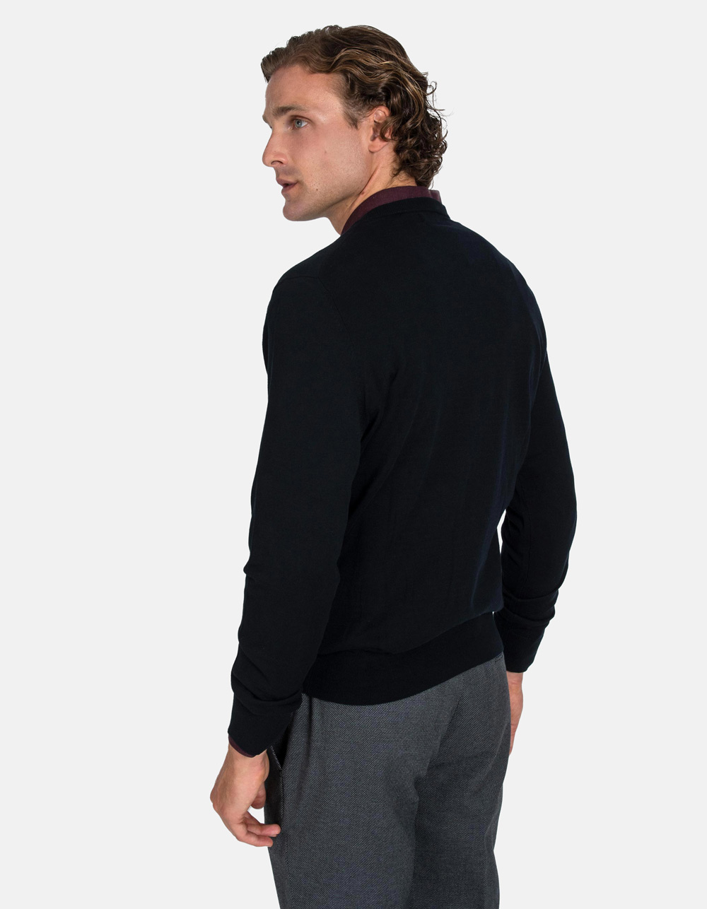 Black v-neck sweater - Backside