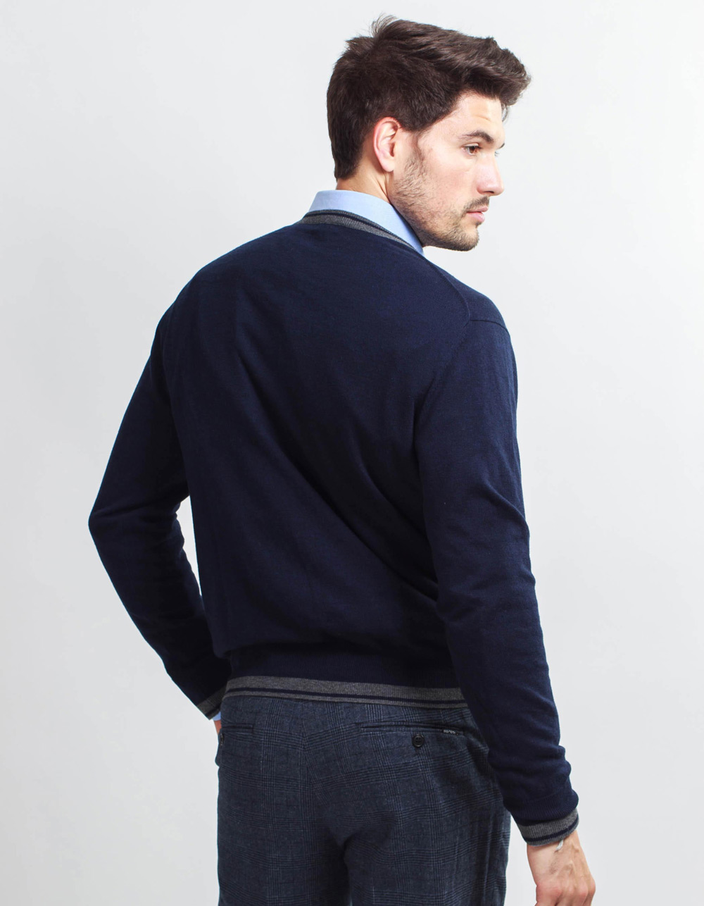 Navy v-neck sweater - Backside