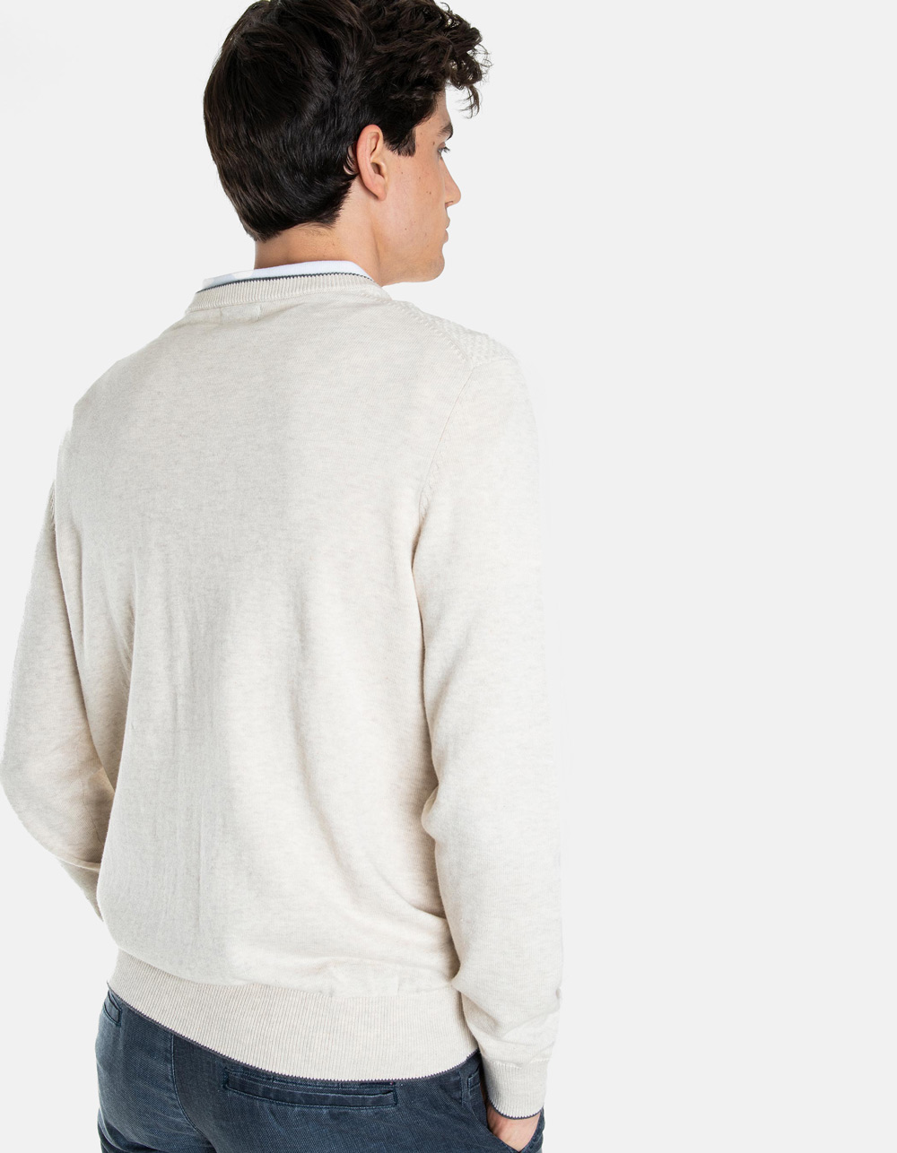 Beige round collar sweater structure - Backside