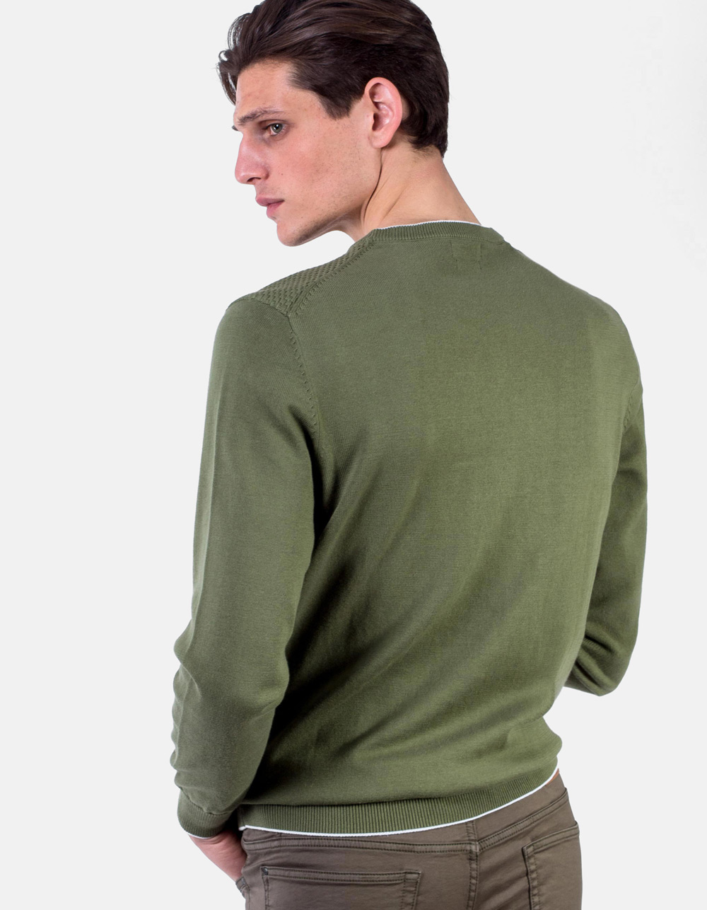 Green round collar sweater structure - Backside