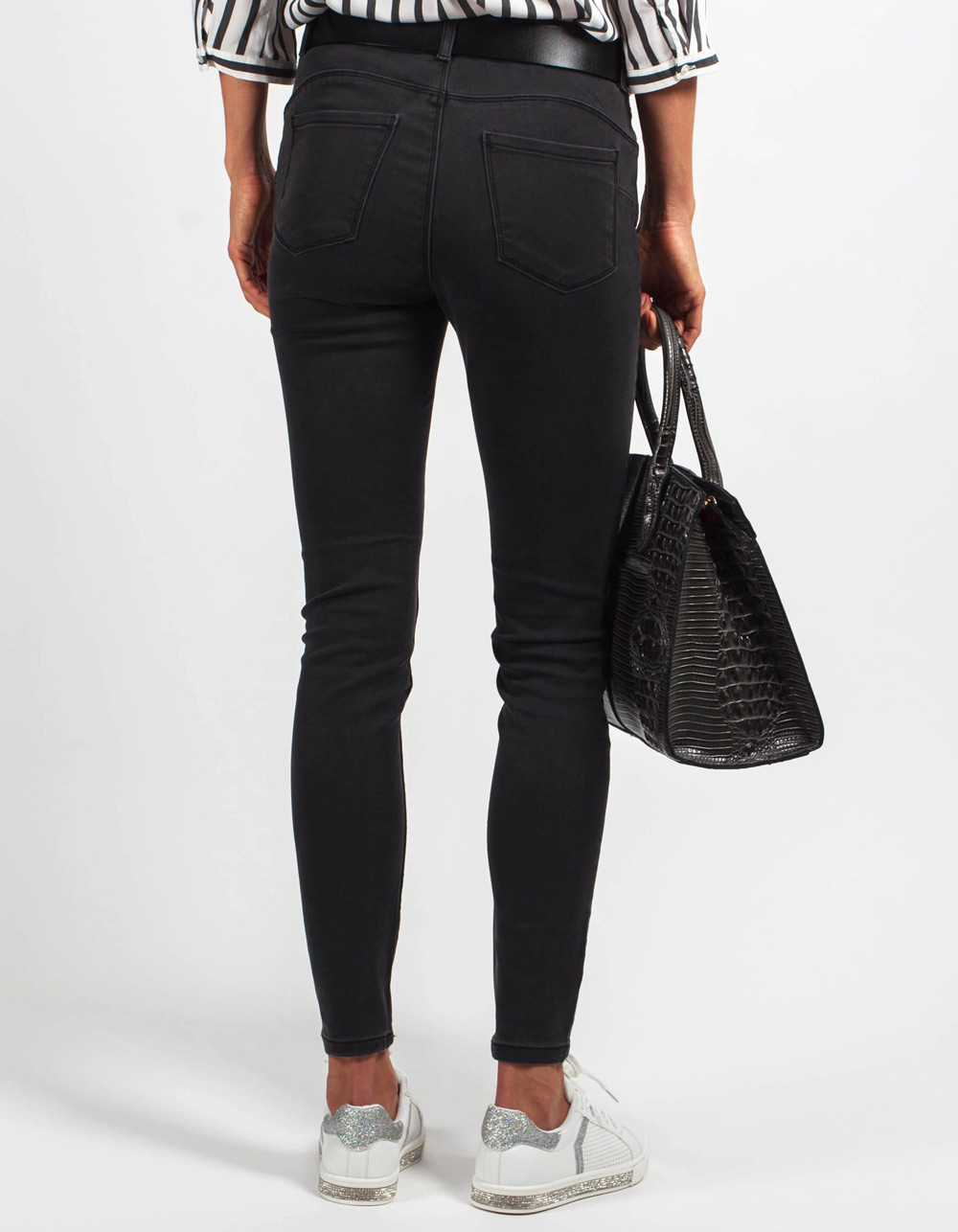 Pantalón tejanero gris mid rise skinny fit - Backside