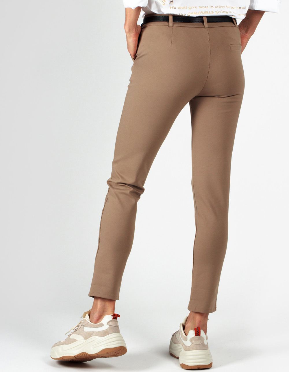 Pantalón beige stretch straight fit - Backside