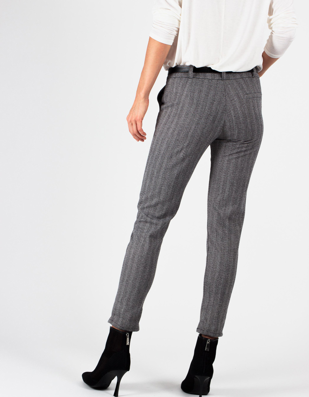 Pantalón espiga stretch straight fit - Backside